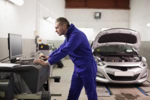 Oficinas e concessionários automóveis abertos durante confinamento thumbnail