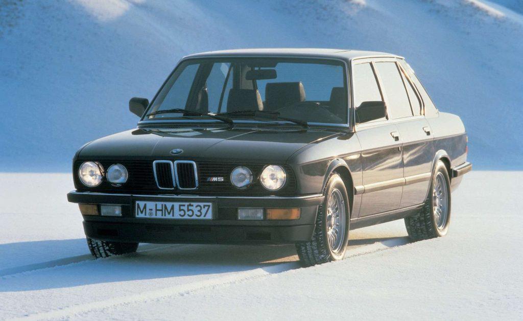 BMW-M5-1984-1600-01
