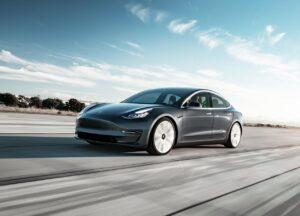Primeiros Tesla fabricados na China já chegaram à Europa thumbnail