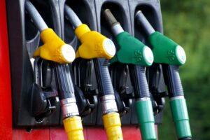 Grupo nas redes sociais com mais de 450 mil membros pede greve aos combustíveis thumbnail