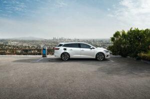 Venda de carros híbridos plug-in e 100% elétricos supera Diesel na Europa pela primeira vez na história thumbnail