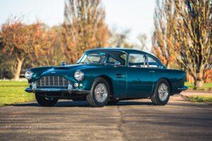 Trio irrepreensível de Aston Martin clássicos vai a leilão thumbnail