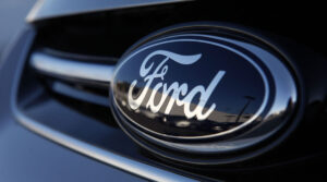 Moray Callum abandona cargo de design na Ford e é substituído por Anthony Lo da Renault thumbnail