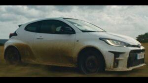 Jari-Matti Latvala mostra o que consegue fazer ao volante do novo Toyota GR Yaris thumbnail