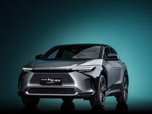 Toyota BZ4X Concept, o protótipo que vai dar origem ao primeiro 100% elétrico da marca que chega em 2022 thumbnail