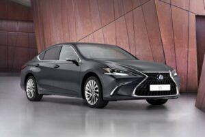 Renovado Lexus ES melhora estética, tecnologia e garante comportamento aprimorado thumbnail