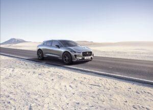 Gama do Jaguar I-Pace aumentada pela versão Black thumbnail