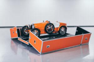 """Bugatti começa a entregar os primeiros carros para crianças """"Baby II"""" thumbnail"""