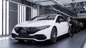 Mercedes-Benz dá início à produção do novo EQS thumbnail