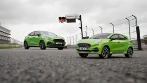 """Ford testa novo Puma ST contra o seu """"gémeo"""" telecomandado thumbnail"""
