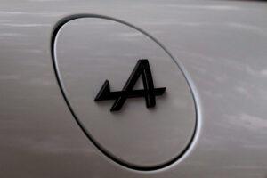 """Carros desportivos da Renault vão passar a ser """"Alpine Cars"""" thumbnail"""