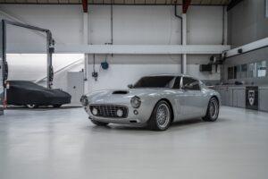 RML Group cria réplica do Ferrari 250 GT SWB com sotaque inglês thumbnail