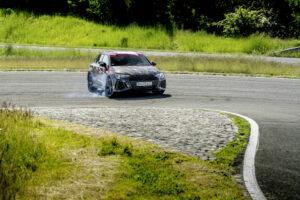 Novo Audi RS3 estreia sistema que permite realizar drift tal como o Mercedes-AMG A45 S thumbnail