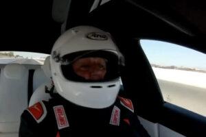 Tesla Model S Plaid conquista recorde de quarto de milha com Jay Leno ao volante thumbnail