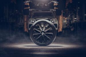 Bentley Bentayga passa a ter as maiores jantes de fibra de carbono alguma vez utilizadas em carros de produção thumbnail