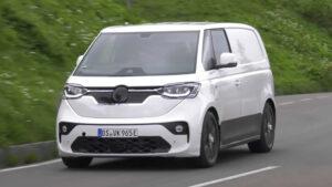 Volkswagen ID Buzz apanhado em testes nos Alpes thumbnail