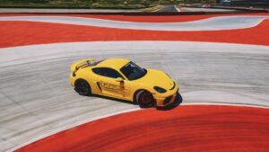 Porsche inaugura novo Experience Center em Itália thumbnail