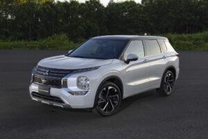 Mitsubishi mostra primeiras imagens do novo Outlander PHEV thumbnail