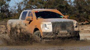 Nova geração da Ford Ranger já anda fora de estrada thumbnail